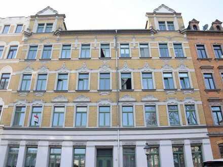 Jugendstil trifft auf Moderne! helle 4-Raum Wohnung mit Balkon und 4,35% Rendite