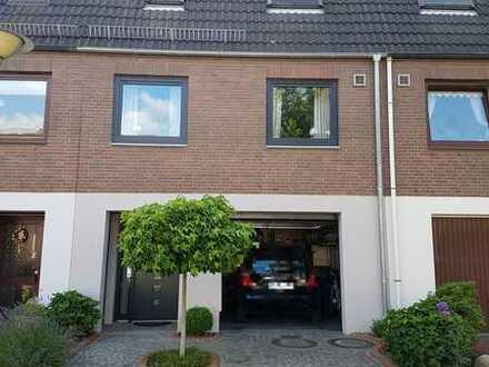 Reihenhaus mit fünf Zimmern und Garage in Bremen, Osterholz