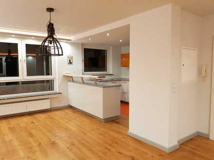 Vollständig renovierte Wohnung mit drei Zimmern sowie Balkon, Keller und EBK in Bolanden/ Weierhof