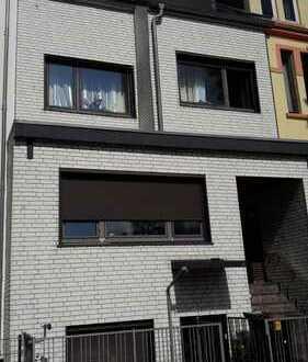 Gut vermietetes 3-Familienhaus mit über 6% Rendite