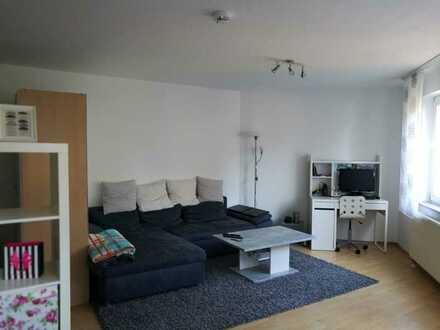 Gepflegte 1,5-Zimmer Erdgeschosswohnung mit Einbauküche und Terrasse in Gärtringen-Rohrau