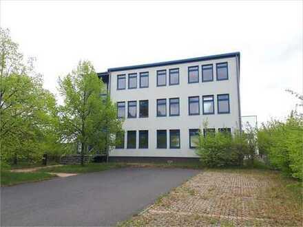 Aus der SolarWorld Industries GmbH Insolvenzmasse: Bürogebäude