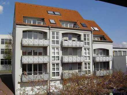 Schöne drei Zimmer Maisonett-/Dachgeschosswohnung mit großem Balkon
