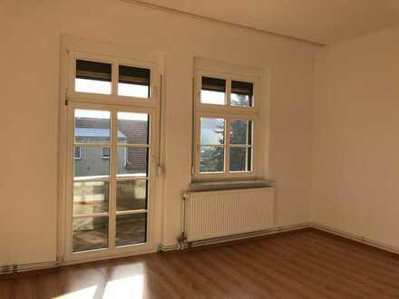 Erschwingliche und vollständig renovierte 3-Zimmer-Wohnung mit EBK und Balkon in Wriezen