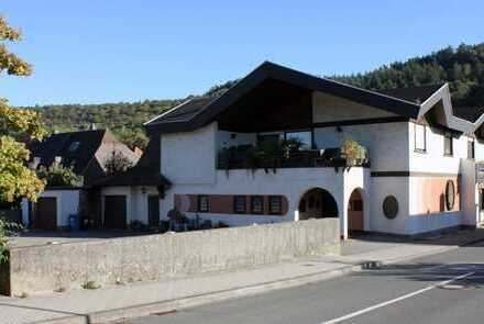 Landstuhl - Etablierte Gaststätte im Stadtzentrum mit großräumiger Wohnung