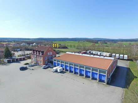 Gewerbeanwesen mit Bürohaus, Speditionshalle und Werkstattgebäude in guter Lage vor Bayreuth!