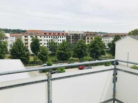2,5 Zimmer Wohnung mit großer Dachterrasse und EBK zur Zwischenmiete bis 31.05.22 in Südweststadt
