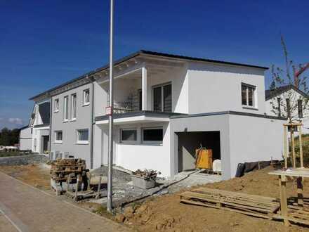 Erstbezug mit Balkon: attraktive 5-Zimmer Doppelhaushälfte in Öhringen