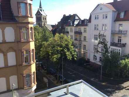 Sehr helle Jugendstilwohnung im Vorderen Westen, Nähe Bebelplatz.