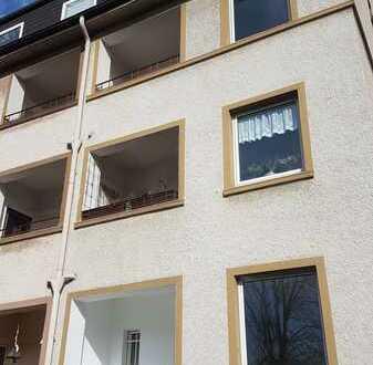 2-Raum mit Sonnen-Balkon im 2. OG eines stilvollen 8-Fam.-Hauses in ruhiger Anliegerstraße