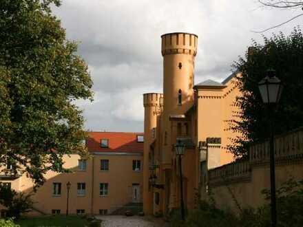 SCHLOSS PETZOW am Schwielowsee! Traumhafte 2-Zimmer-Wohnung mit Seeblick!
