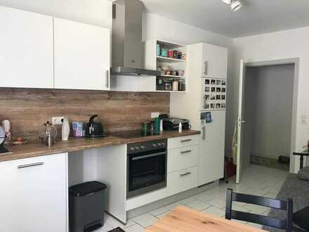Sanierte und ruhige 1-Zimmer-Hochparterre-Wohnung mit Einbauküche in Worms Innenstadt ab 1.8.2021