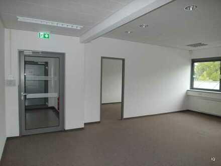 Fontane Center in DD-Klotzsche * großzügige Büro- oder Praxisfläche im 1.OG * 9 Räume