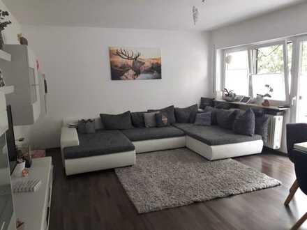 Liebevoll gepflegte 3-Zimmer-Wohnung mit Balkon und Einbauküche, in ruhiger Lage