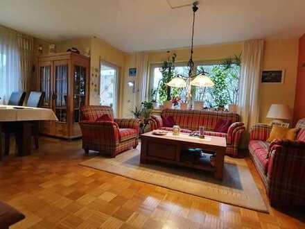 Traumhafte Eigentumswohnung mit eigenem Balkon in gepflegtem Haus
