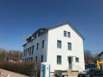 Großzügige Dachgeschosswohnung mit schöner Loggia