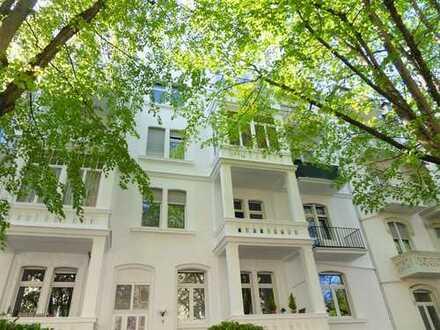 Rheingauviertel, charmante helle 3 ZKB mit 2 Balkonen im DG