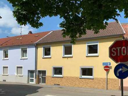 Modernisierungsbedürftiges Einfamilienhaus im Herzen von Eppelheim