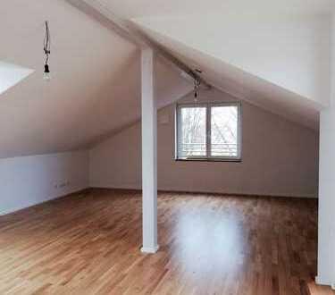 Erstbezug: großzügige 4-Zimmer-Wohnung mit Dachbalkon in Augsburg