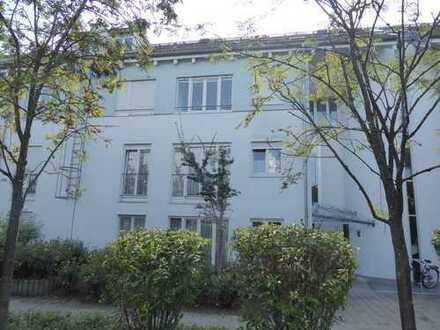 Moderne, lichtdurchflutete 3-Zimmer-Wohnung in ruhiger Lage in Germering von privat