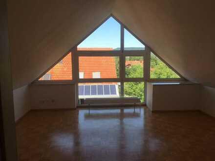 3-Zimmer DG-Maisonette-Wohnung