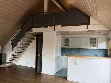 Attraktive 5 Zimmer-DG - Maisonette - Wohnung mit Terrasse und Ausblick in Gerlingen – Schillerhöhe