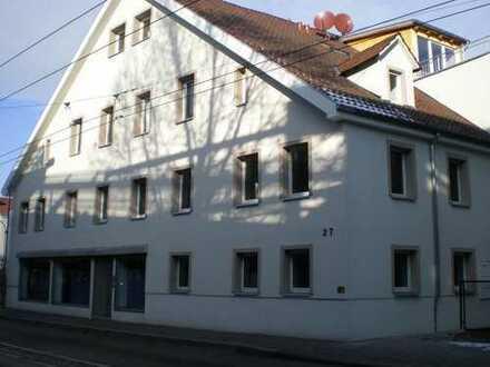 !! Renovierte 4 Zimmer *84m/2* + Esslingen Innenstadt