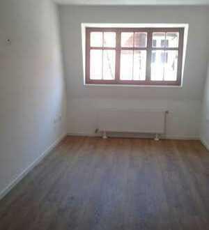 Super Lage 3 Zimmer 87 qm nur 499,-- EUR kalt direkt auf der Fußgängerzone Reichenstr.neu renoviert