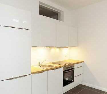 Bild_* Top sanierte 2 Zimmer Altbau mit Balkon, W-Bad und EBK* Parkett* im Herzen von Moabit*