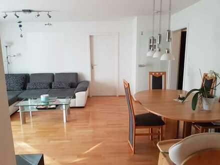 Moderne, gepflegte 3-Zimmer-Wohnung mit Balkon und EBK in Asperg