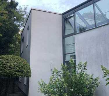 Schönes, voll möbliertes, geräumiges Haus mit vier Zimmern in Wiesbaden, Nordost