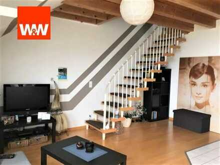 Wunderschöne, helle DG-Wohnung mit ausgebautem Bühnenraum
