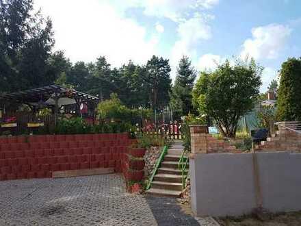 Bild_wohnen im Zweifamilienhaus mit Garten