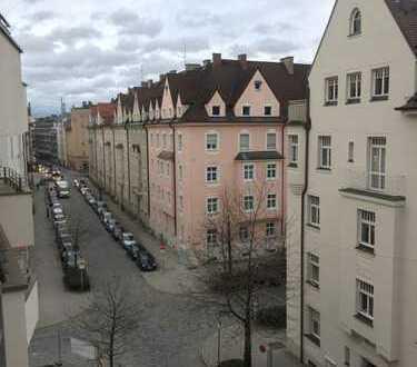 Oberbayern Immobilien! Freie 3-Zimmer-Wohnung in direkter U-Bahn-Nähe!