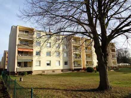 - Tolle Kapitalanlage - Gut vermietete 4-Zimmer Etagenwohnung mit Balkon in herrlicher Lage