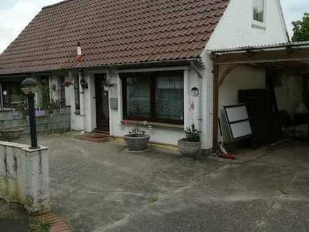 Attraktive und sanierte 2,5-Zimmer-Doppelhaushälfte zur Miete in Ritterhude
