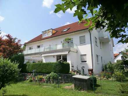 Helle moderne 4 Zimmer Wohnung mit großem Südbalkon
