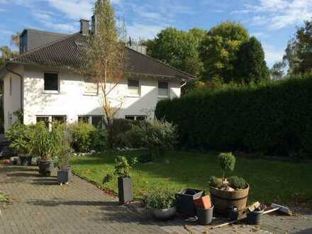 ***- Juwel in sehr guter Wohnlage mit Garten und Blick ins Grüne-***