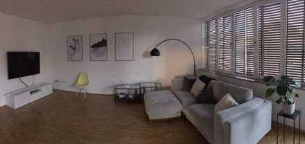 Stilvolle 3-Zimmer-Wohnung mit Balkon und EBK in HafenCity (Blick auf die Elphi), Hamburg