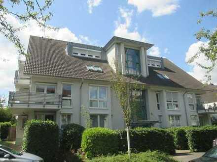 Repräsentative 4-Zimmer-Dachgeschoss-Wohnung mit 3 Balkonen in TOP-Lage von Bonn-Beuel