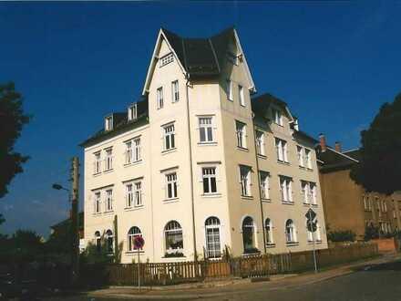 Von Privat! Sonnige 2-Raum-Wohnung mit Einbauküche in Radebeul-Ost