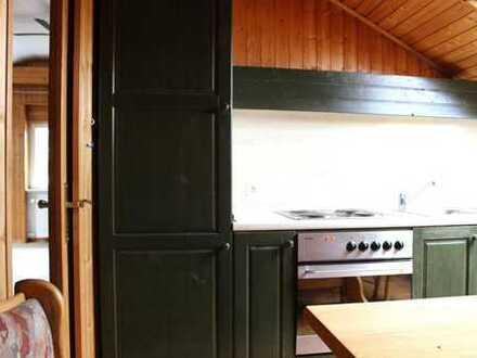 Gemütliche 2 Zi. Dachgeschosswohnung mit Einbauküche