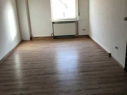 Westhofen - WG Zimmer in Haus mit 8 Zimmern - 2 Küchen + 2 Bäder