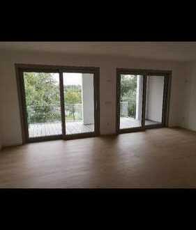 Freundliche 3-Raum-Penthouse-Wohnung mit EBK und Balkon in Dillingen an der Donau