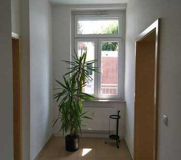 Freundliche und helle 3-Zimmer-Wohnung mit Balkon in Frankfurt am Main