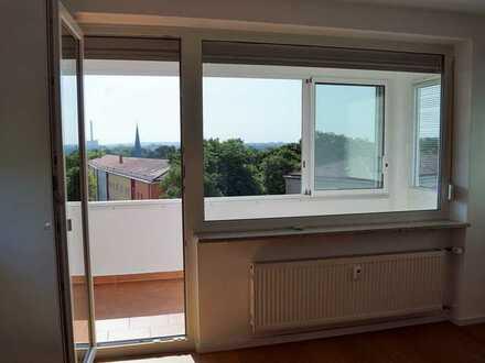Helle, ruhige, kompl. renovierte 1-Zi. Wohnung+Balkon+EBK