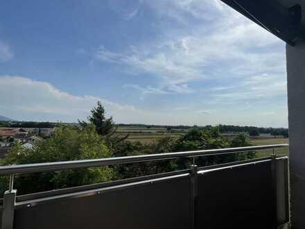 Großzügige Wohnung mit fünf Zimmern und Panoramabalkon in Hemsbach von Privat zu verkaufen