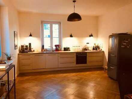 Ansprechende 5-Zimmer-Altbauwohnung mit Balkon und EBK in Kempten
