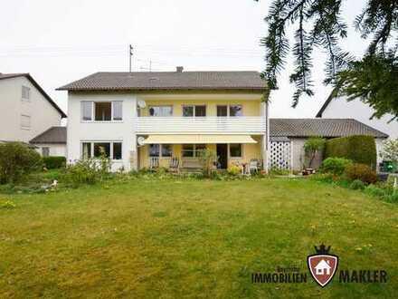 Zweifamilienhaus mit großem Grundstück und Ausbaureserve für 1-2 Wohnungen im Dachgeschoss