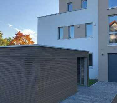 Exklusive 2-Zimmer-Wohnung mit Balkon in Oberasbach - von Privat -